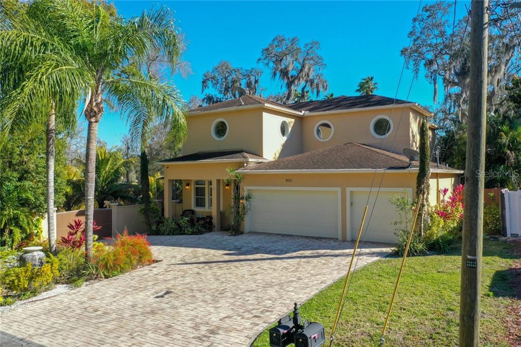 800 W LOWRY LANE Property Photo - TAMPA, FL real estate listing