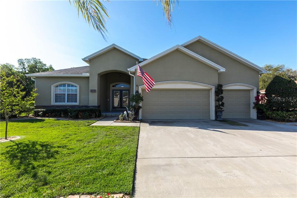 2972 OAK TREE LANE Property Photo - LAKELAND, FL real estate listing