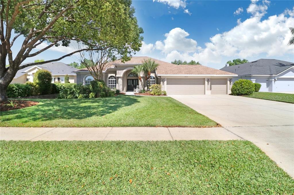 2839 LAKE MICHAELA BOULEVARD Property Photo - VALRICO, FL real estate listing