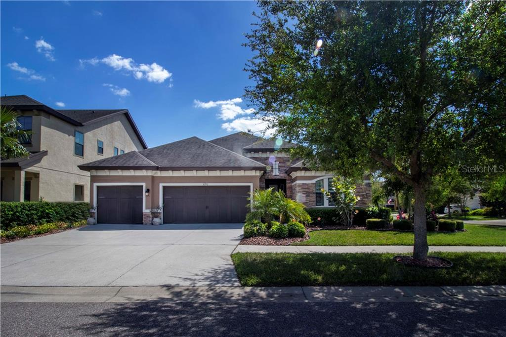 10911 CHARMWOOD DRIVE Property Photo - RIVERVIEW, FL real estate listing