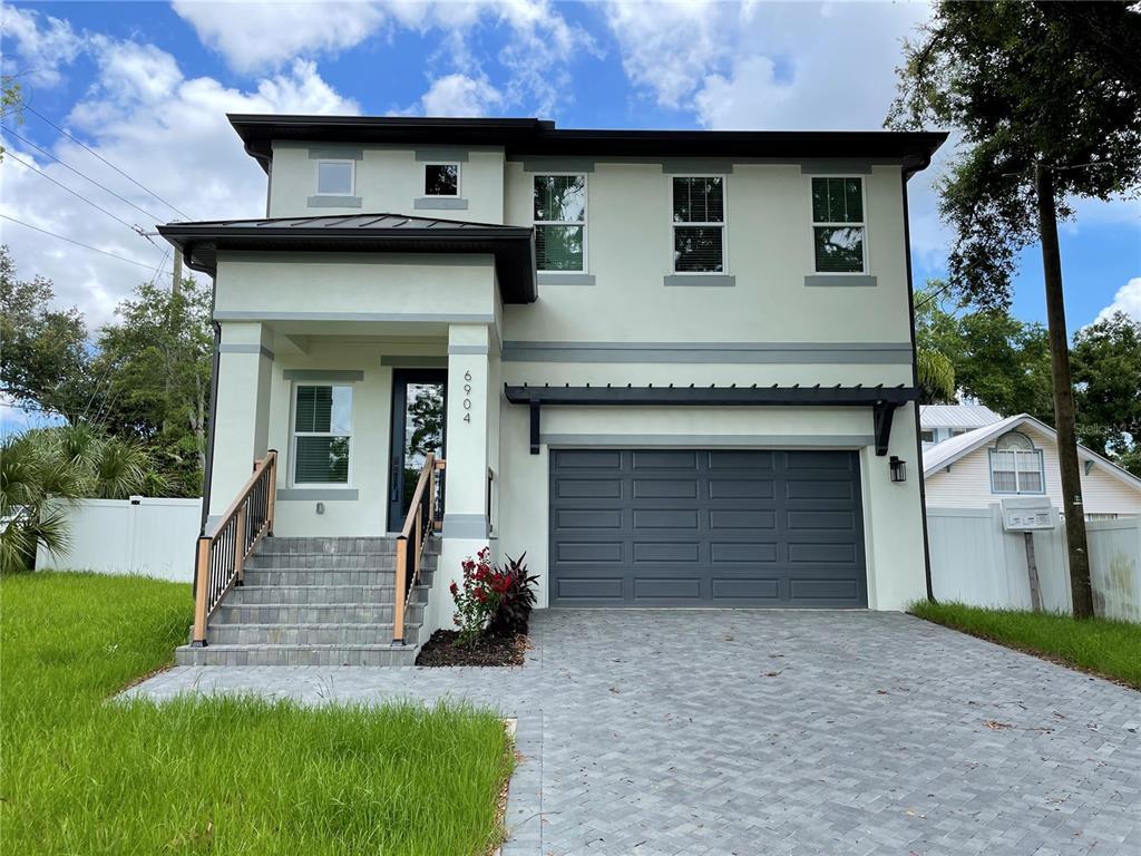 6904 N River Boulevard Property Photo