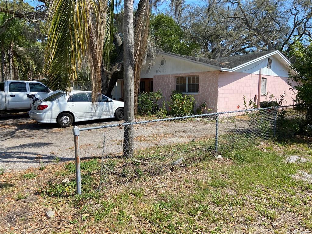 8401 N Newport Avenue Property Photo