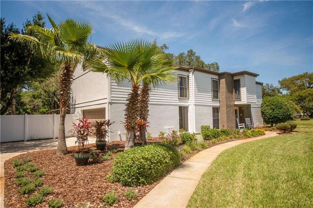 1211 TERRA MAR DRIVE Property Photo - TAMPA, FL real estate listing