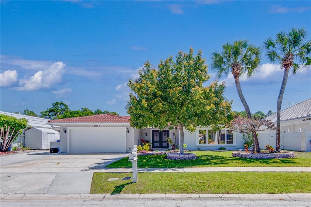 3911 DORAL DRIVE Property Photo - TAMPA, FL real estate listing