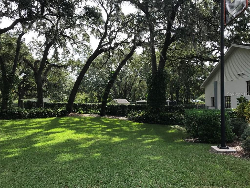 11415 E BROADWAY AVENUE Property Photo - SEFFNER, FL real estate listing