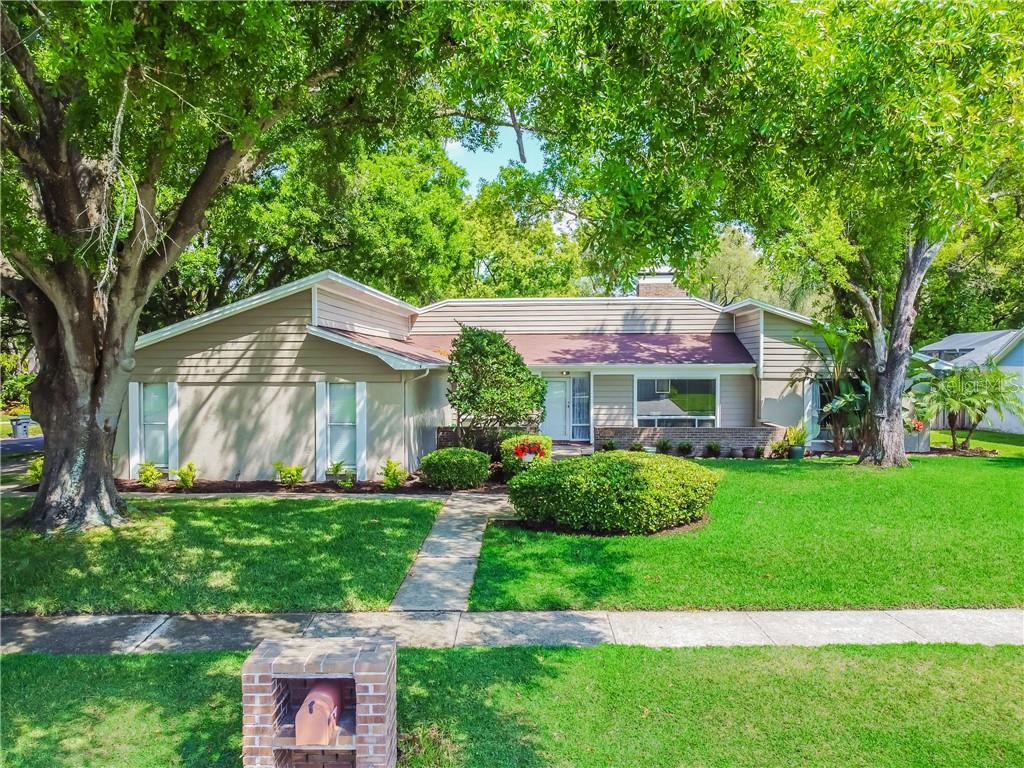 11723 NICKLAUS CIRCLE Property Photo - TAMPA, FL real estate listing