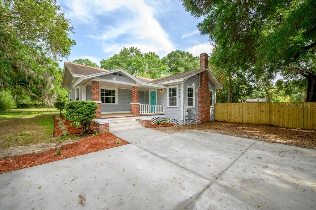 911 E KNOLLWOOD STREET Property Photo - TAMPA, FL real estate listing