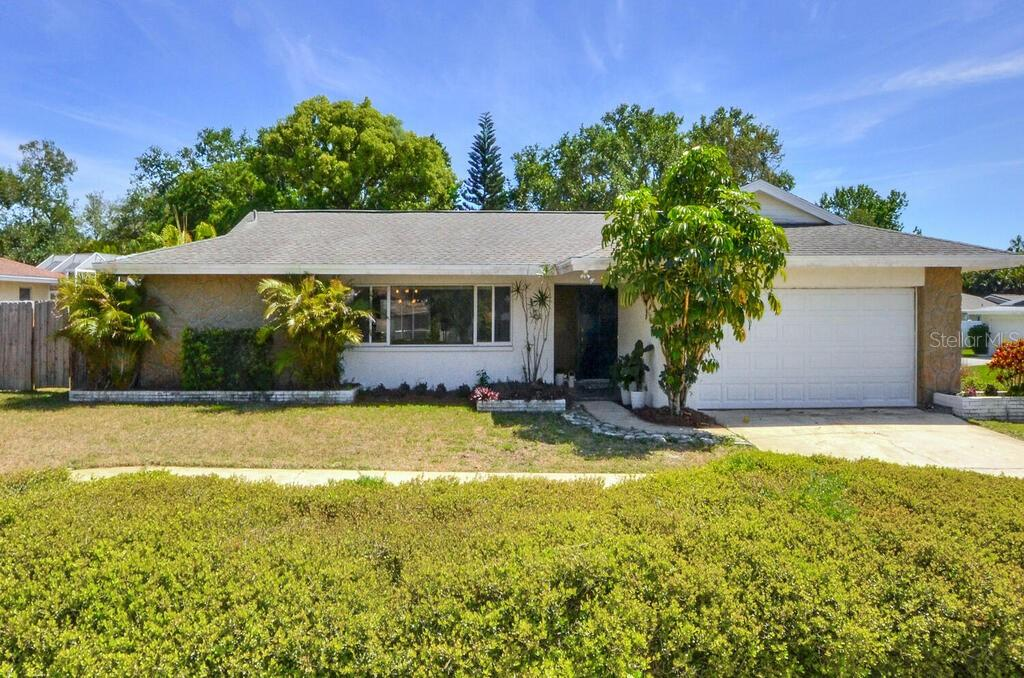 14478 BAY HILLS DRIVE Property Photo - LARGO, FL real estate listing