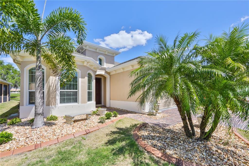 1518 EMERALD DUNES DRIVE Property Photo - SUN CITY CENTER, FL real estate listing