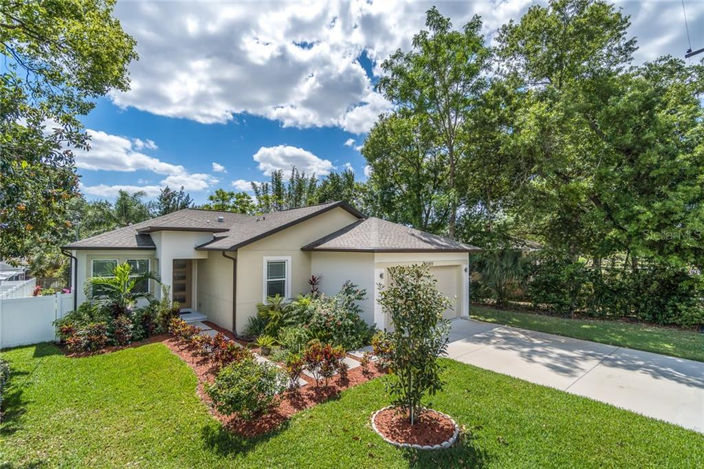 10405 NEWPORT CIRCLE Property Photo - TAMPA, FL real estate listing
