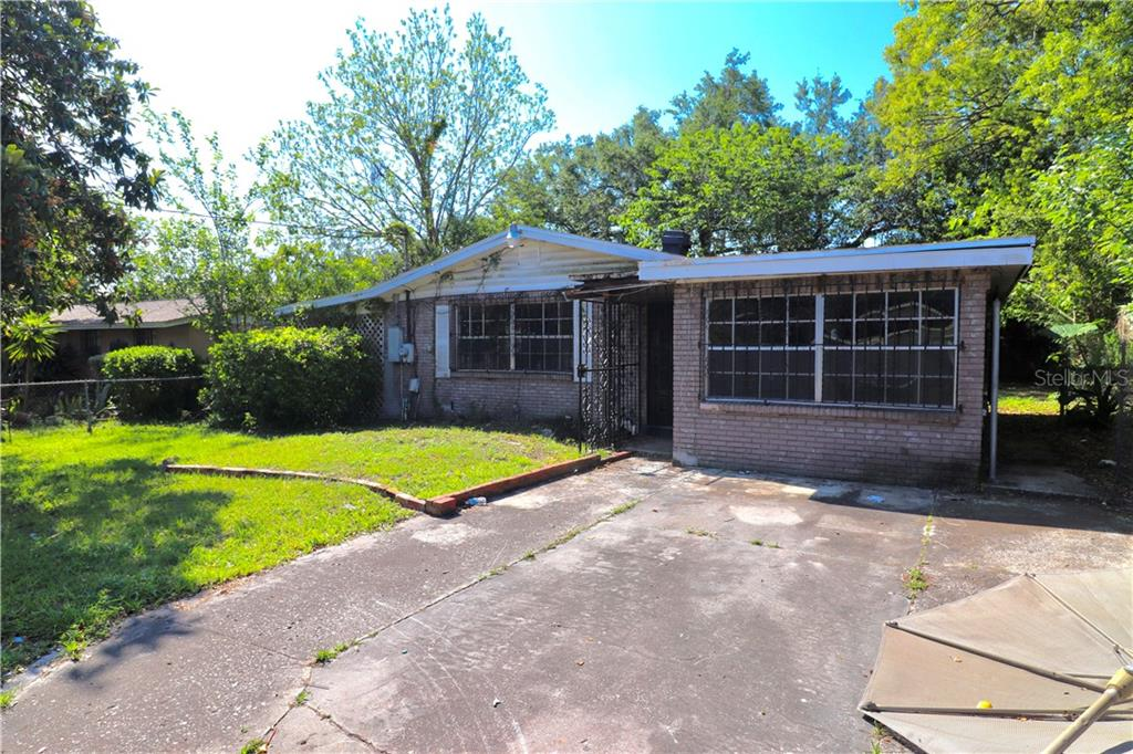 4207 E Grove Street Property Photo