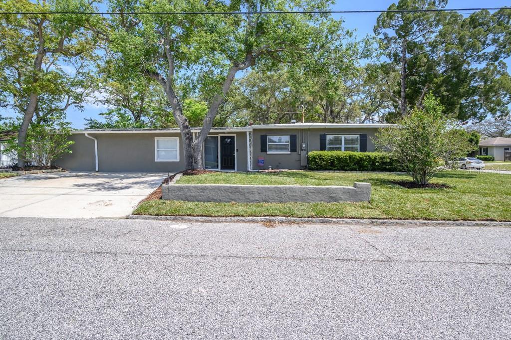 4011 W Fig Street Property Photo