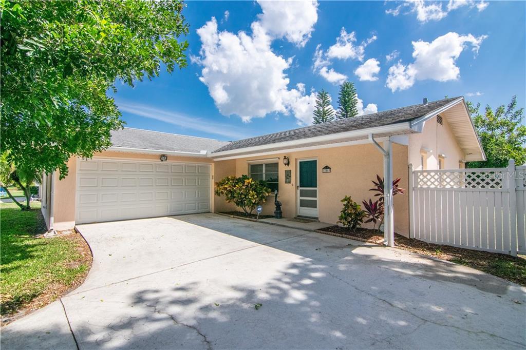 12863 115 Street N Property Photo