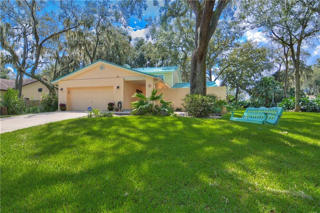 2755 BUCKHORN OAKS DRIVE Property Photo - VALRICO, FL real estate listing