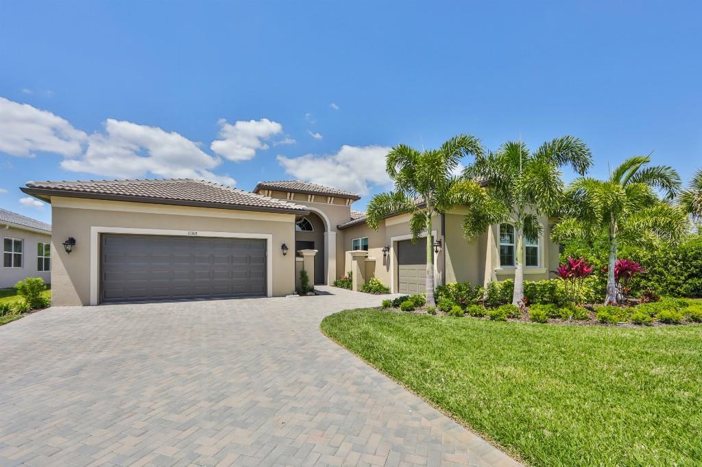15303 VALENCIA DEL SOL STREET Property Photo - WIMAUMA, FL real estate listing