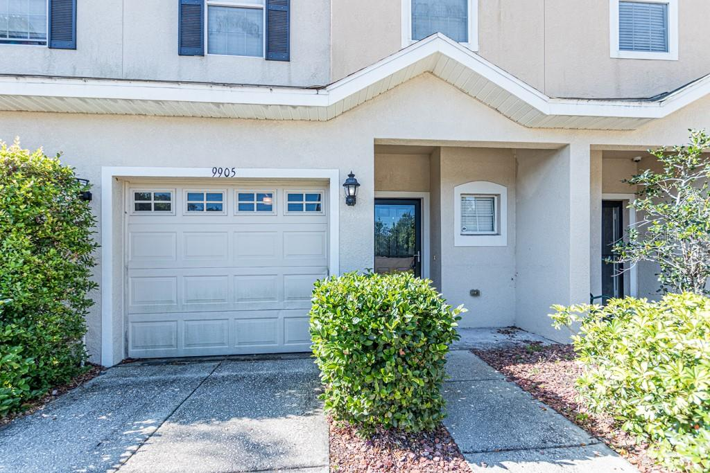 9905 SERONA BLUFF WAY Property Photo - TAMPA, FL real estate listing