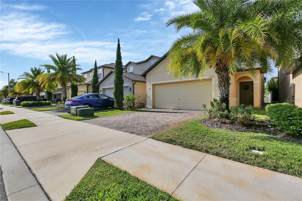 2709 Hampton Green Lane Property Photo