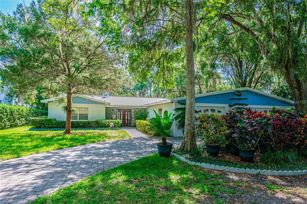 1601 N Riverhills Drive Property Photo