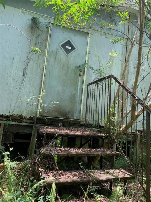 13131 Ladd Avenue Property Photo