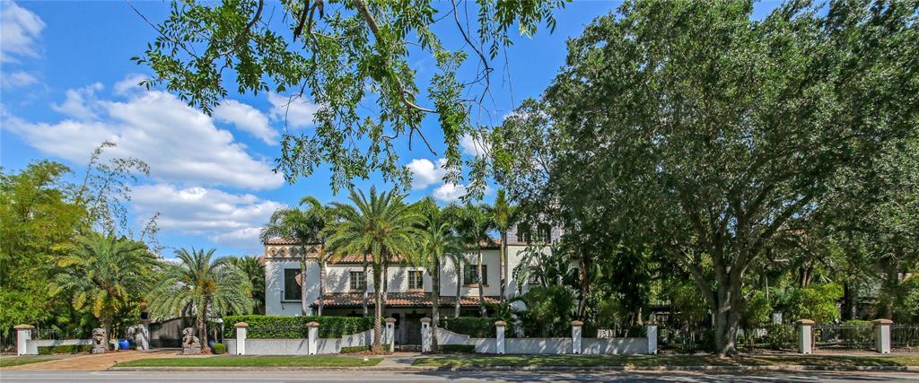 131 W Davis Boulevard Property Photo