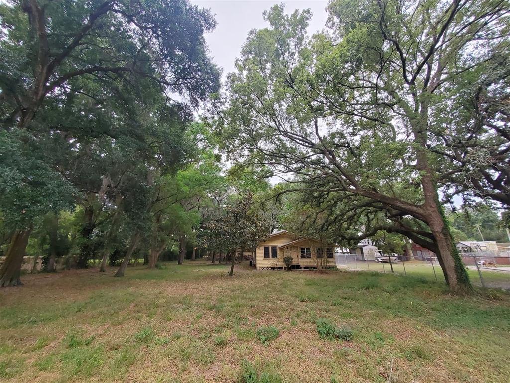 1505 E Comanche Avenue Property Photo