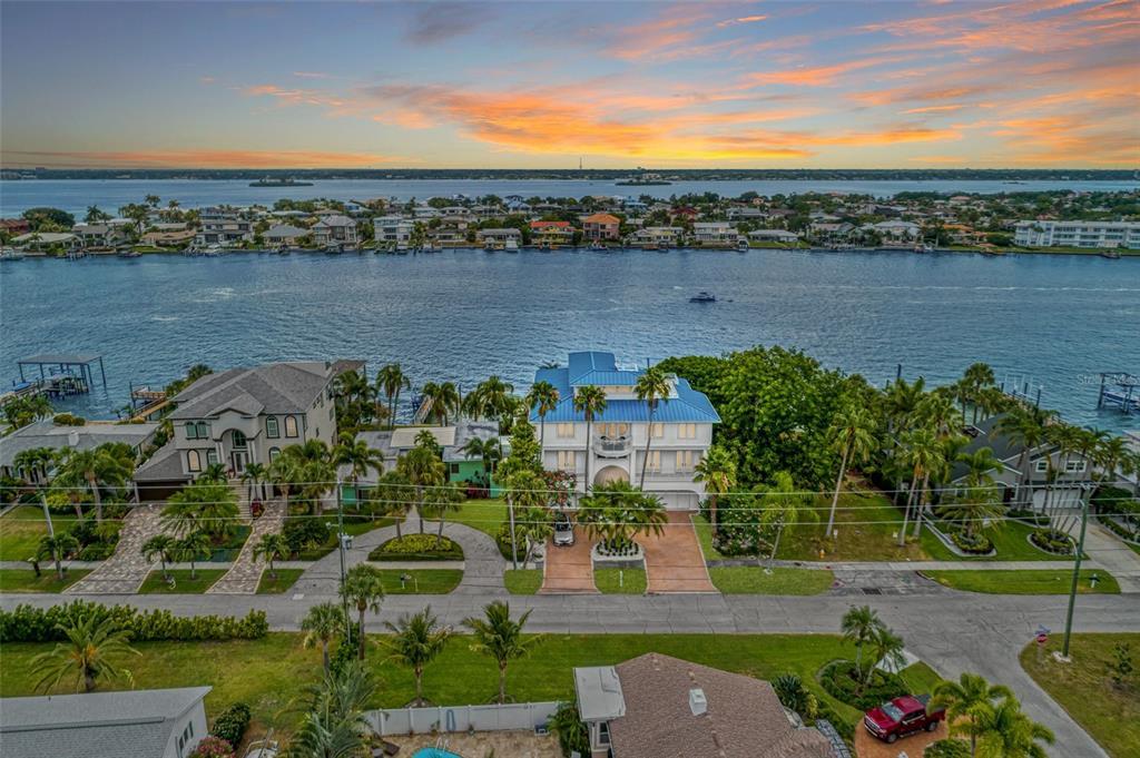 821 Bay Esplanade Property Photo 1