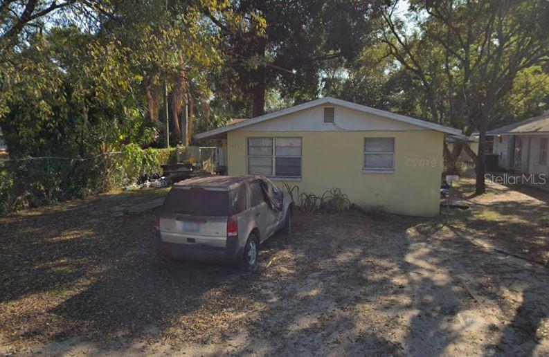 1413 E Seneca Avenue Property Photo