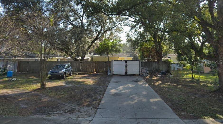 1405 E Seneca Avenue Property Photo