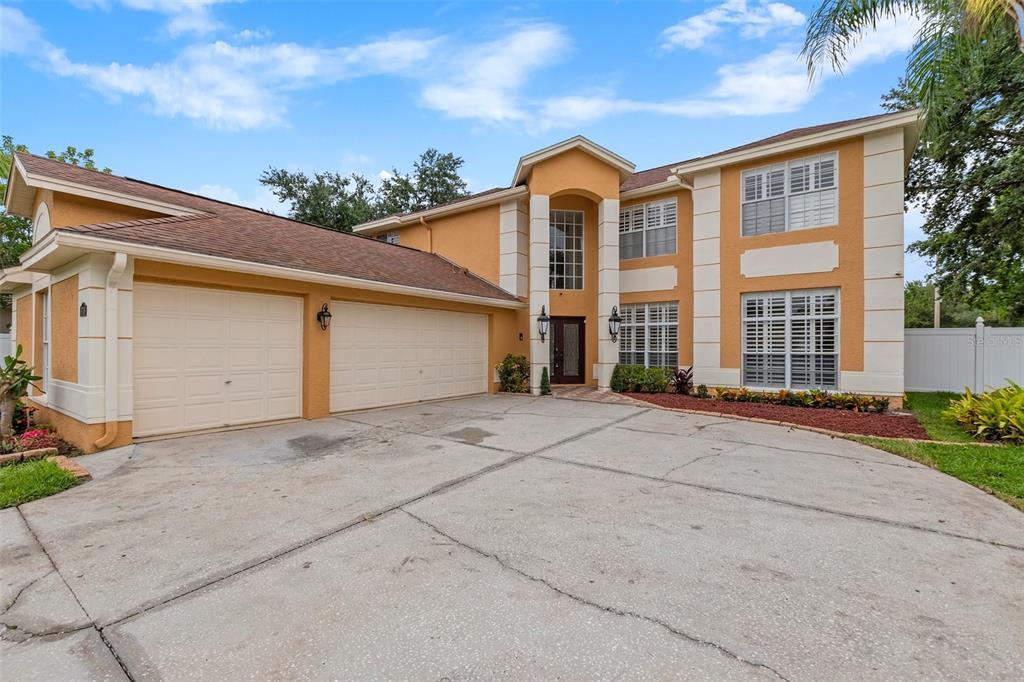 8706 Eagle Cove Court Property Photo