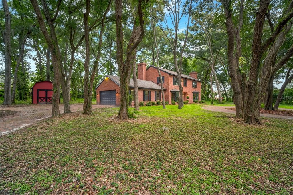 618 Brooker Road Property Photo