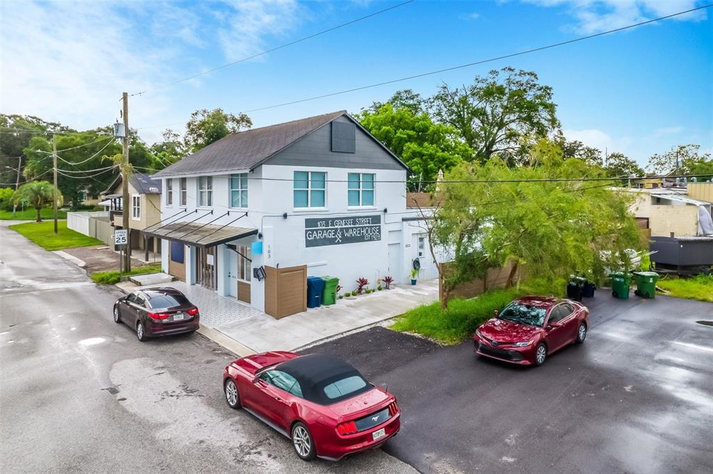 103 E Genesee Street Property Photo