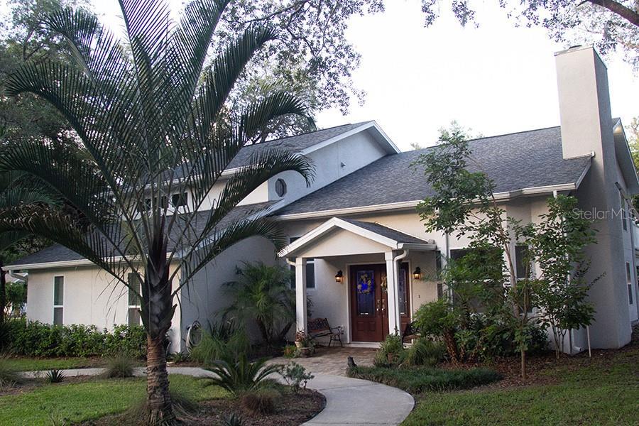 100 W Greentree Lane Property Photo 1