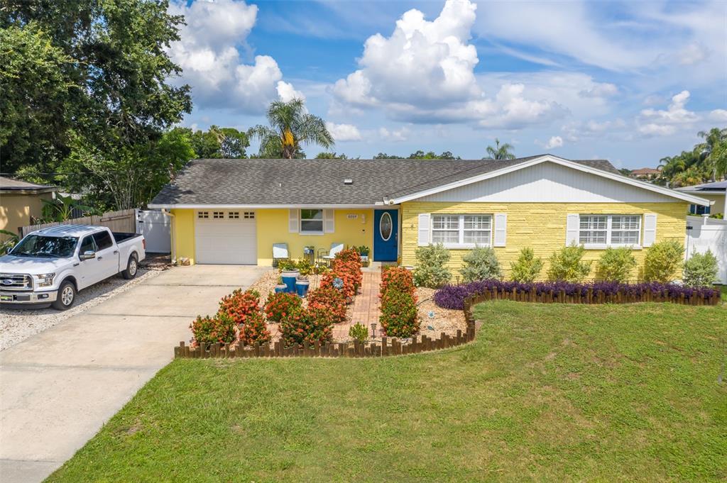 6004 Tampa Shores Boulevard Property Photo