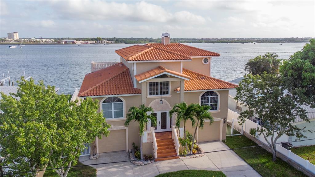 812 Bay Point Drive Property Photo