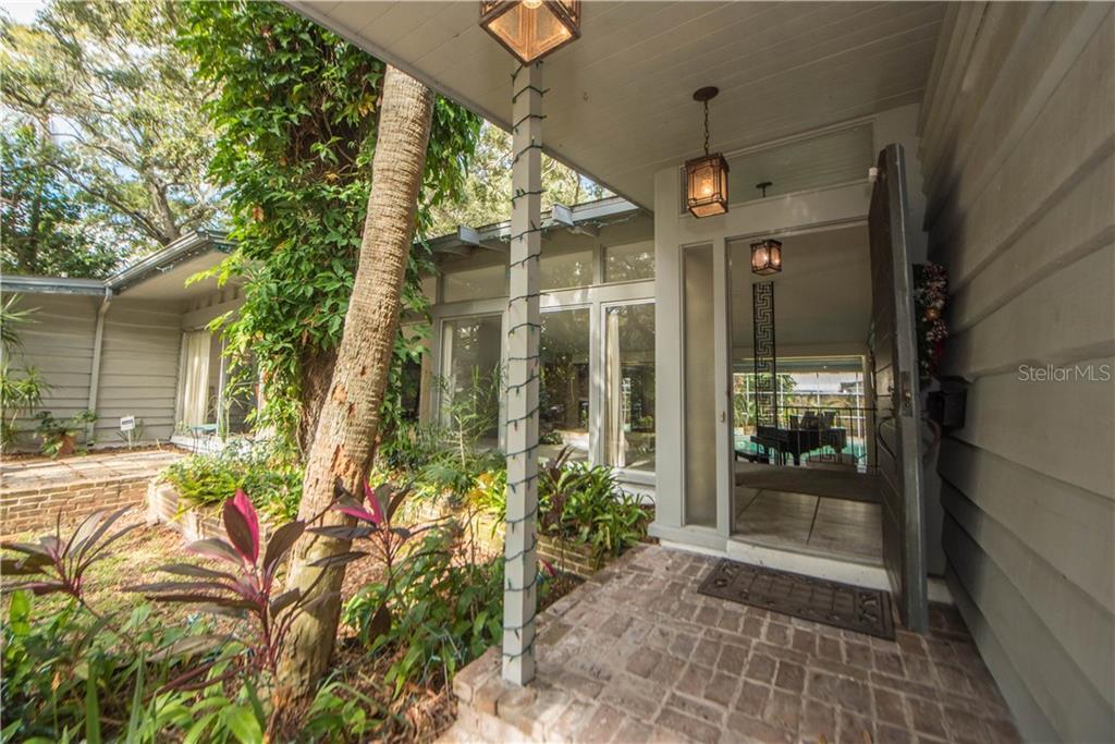 8221 24TH AVENUE N Property Photo - ST PETERSBURG, FL real estate listing