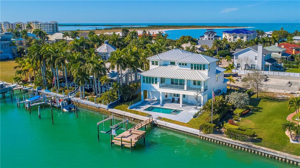 701 NINA DR Property Photo - TIERRA VERDE, FL real estate listing