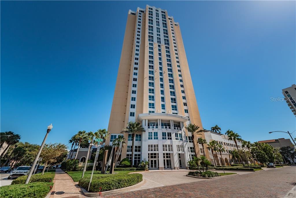 400 BEACH DR NE #504 Property Photo - ST PETERSBURG, FL real estate listing