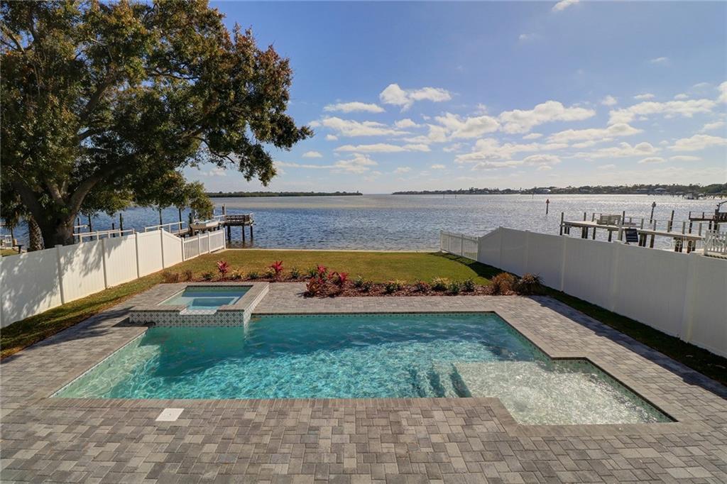 6411 BAYOU GRANDE BOULEVARD NE Property Photo - ST PETERSBURG, FL real estate listing