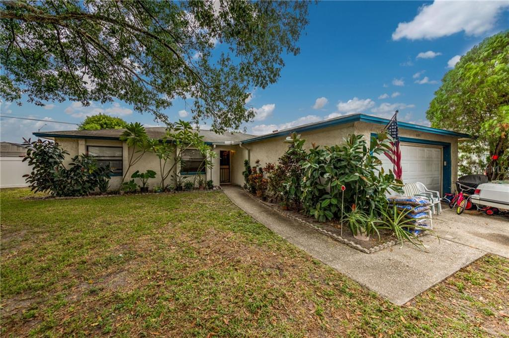 6371 ELMHURST DR N Property Photo - PINELLAS PARK, FL real estate listing