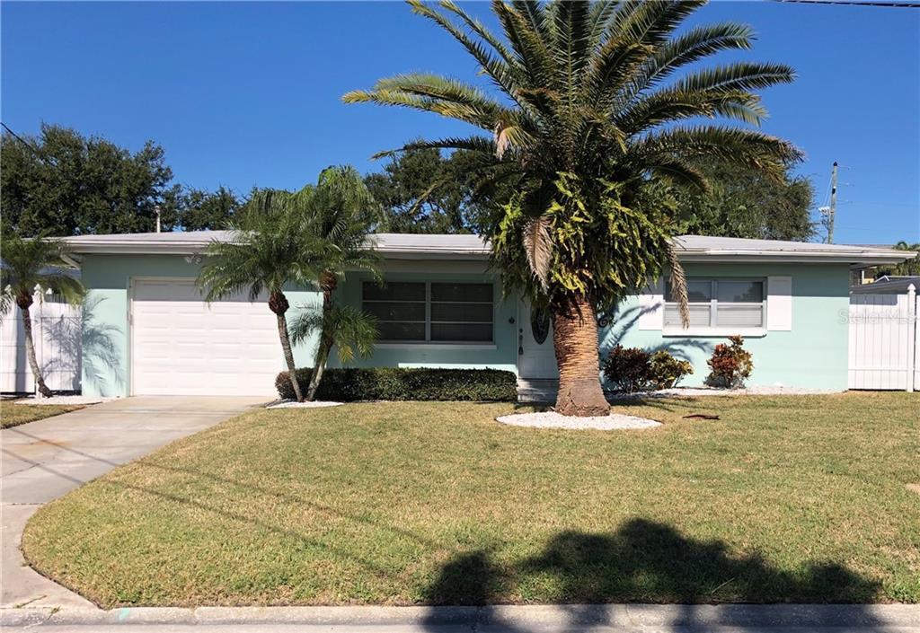 562 Baywood Drive N Property Photo