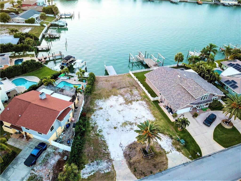 2204 DONATO DR Property Photo - BELLEAIR BEACH, FL real estate listing