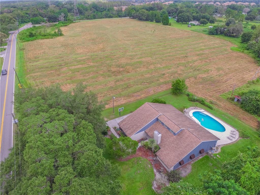 915.5 CRENSHAW LAKE RD Property Photo - LUTZ, FL real estate listing