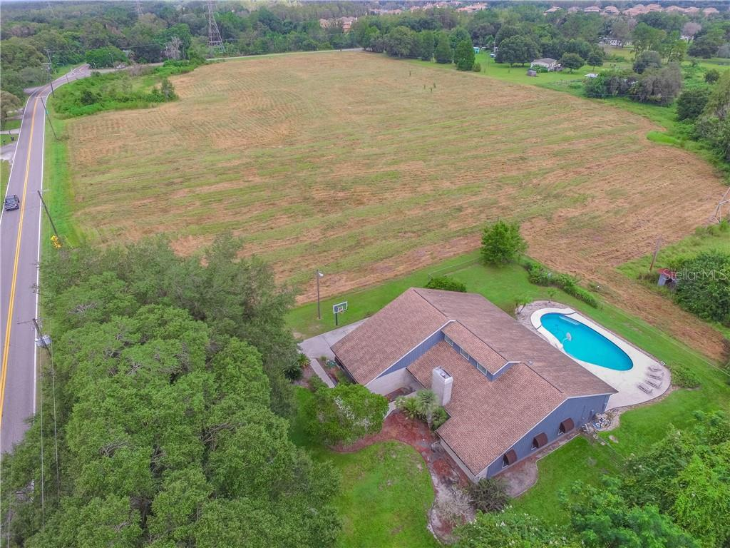 915.5 CRENSHAW LAKE ROAD Property Photo - LUTZ, FL real estate listing