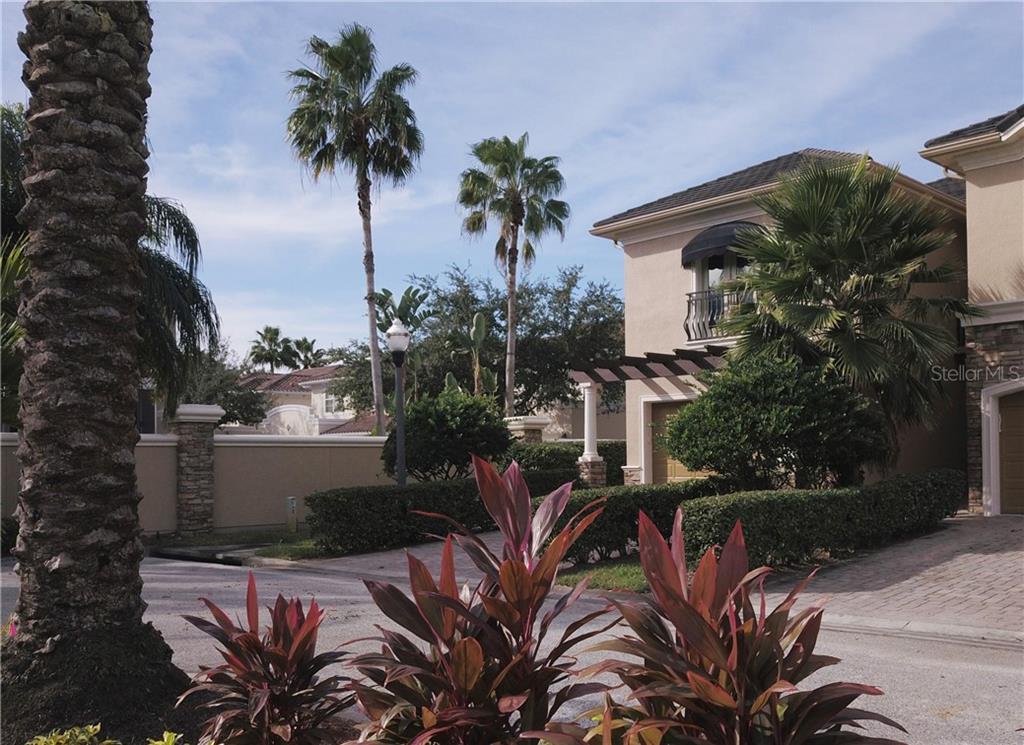 602 SAXONY BOULEVARD Property Photo - ST PETERSBURG, FL real estate listing