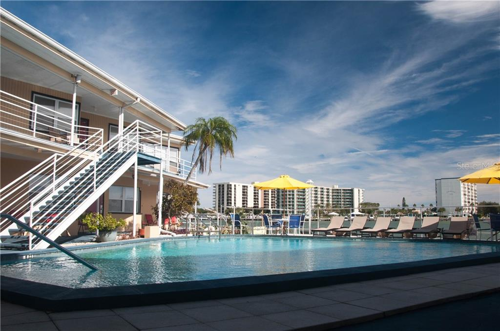 621 BAY ESPLANADE Property Photo - CLEARWATER, FL real estate listing