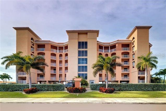11040 GULF BLVD #301 Property Photo - TREASURE ISLAND, FL real estate listing