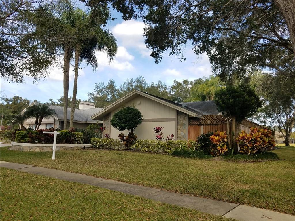 4323 SOUTHPARK DR Property Photo - TAMPA, FL real estate listing