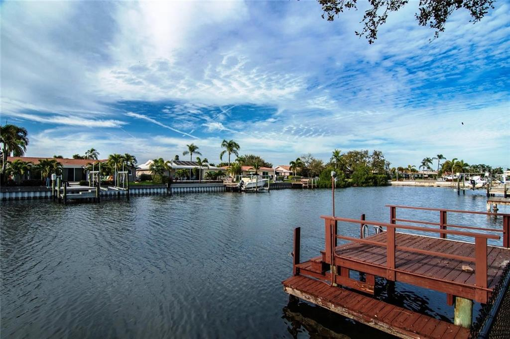1983 MASSACHUSETTS AVENUE NE Property Photo - ST PETERSBURG, FL real estate listing