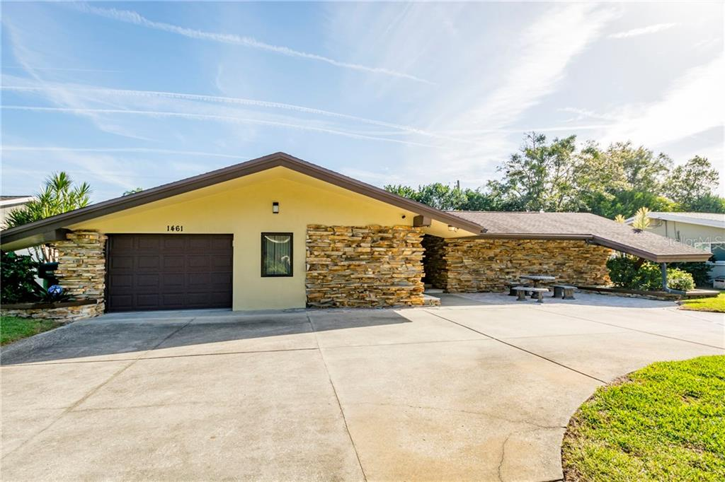 1461 BUGLE LANE Property Photo - CLEARWATER, FL real estate listing
