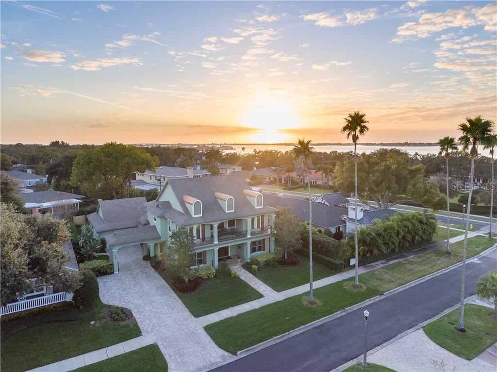 215 SARASOTA RD Property Photo - BELLEAIR, FL real estate listing